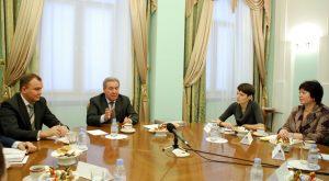 Леонид Полежаев встретился  с молодыми омскими журналистами