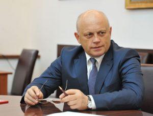 Губернатор Виктор Назаров объявил внеочередные каникулы для школьников Омской области