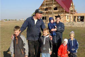 Почти 2,8 тыс. многодетных семей реализовали право на бесплатное получение земельных участков