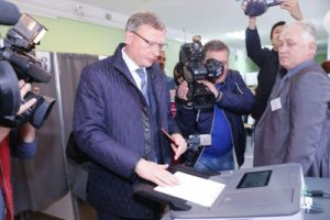 В единый день голосования Александр Бурков пришёл на свой избирательный участок с утра