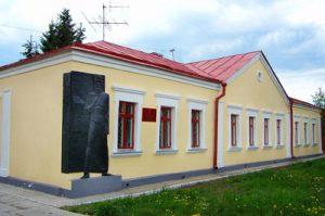 Омичей просят поделиться предметами, связанными с писателем Федором Достоевским