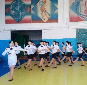 Парадом командуют девушки
