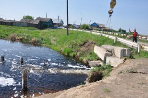 Дороги разорваны водою